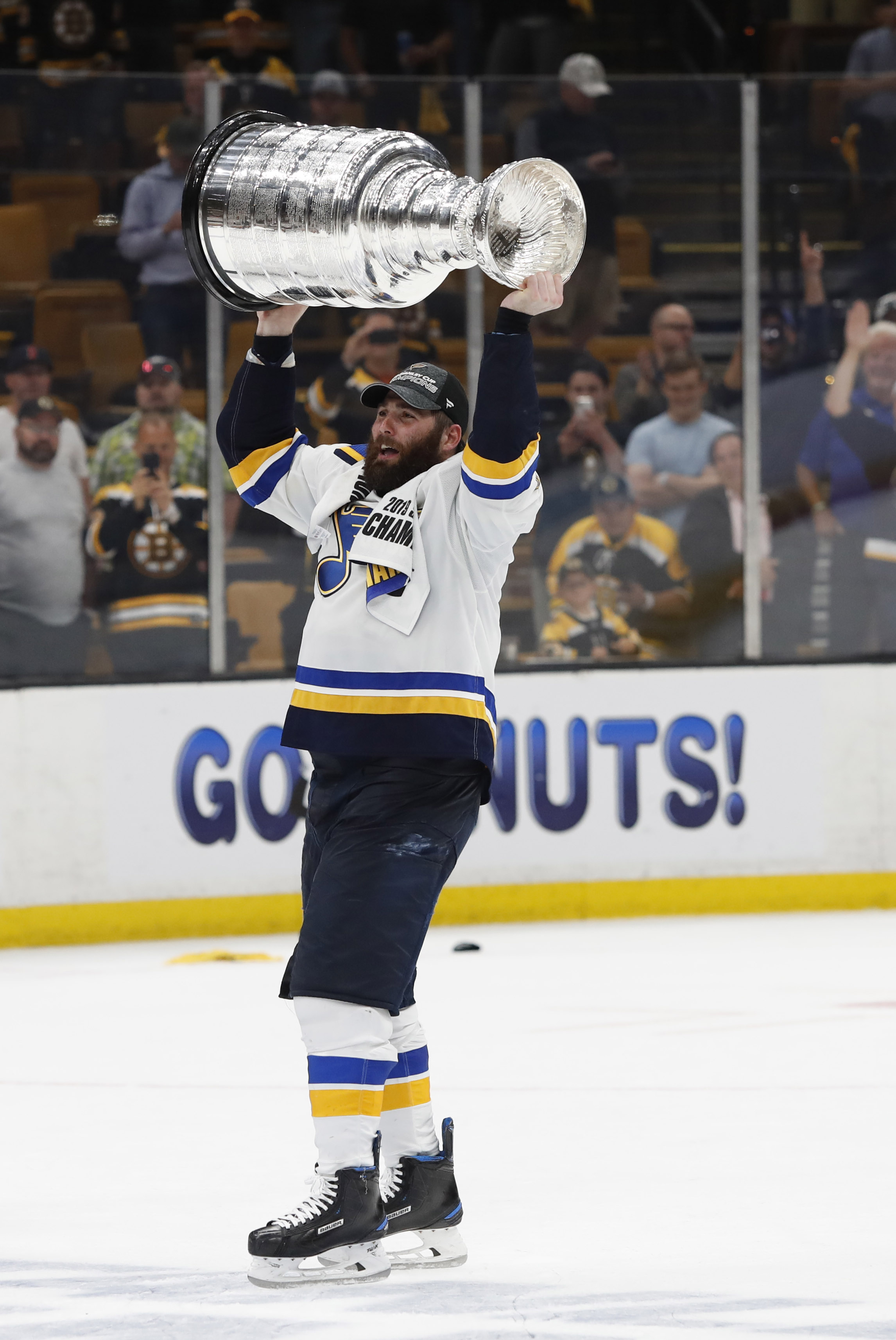 differently e0cca 24d1b Pat Maroon Looking For More Than One-Year Deal | Pro Hockey ...